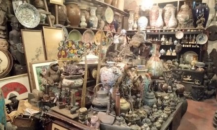 Asian ANTIQUE GALLERY IN KUCHING, SARAWAK BORNEO MALAYSIA – BY APPOINTMENT